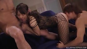 Hot Japanese works first-rate with her mouth and pussy